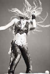 Shakira, shake, shake, señora, shake it all the time !